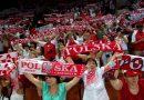 Polscy kibice słynni na cały świat dzięki sposobowi na walkę z pandemią! [WIDEO]