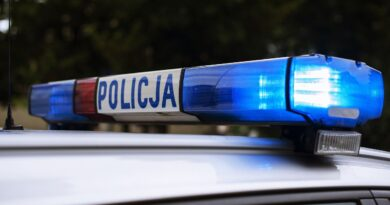 DRAMATYCZNE wydarzenia w jednej z polskich szkół! Nastolatka dokonała krwawego ataku